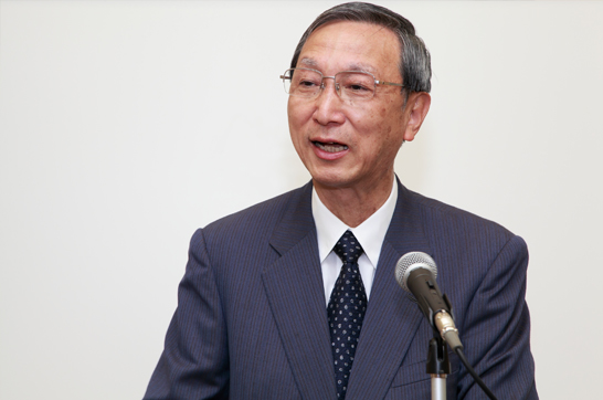 日本対がん協会理事長秋山耿太郎氏の開会挨拶